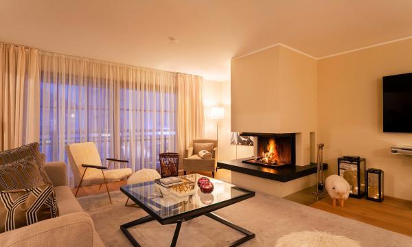 Thurnher's Residences - Apartment 4 - Wohnzimmer mit Kamin